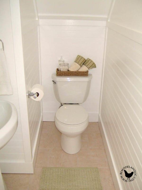 Small Old Bathroom Renovation Retro Remodel #remodelaholic