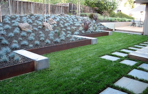 5.5 27 Beautiful Garden Edging Ideas