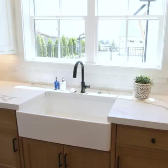 3.3 Remodelaholic Brown Farmhouse Sink