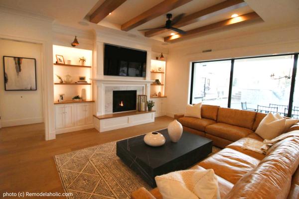 Neutral Modern Farmhouse Living Room Design Tips