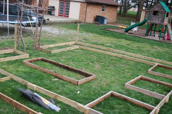 DIY Vegetable Garden Ideas Raised Garden Bed Layout, Shortie's Funny Farm Featured On Remodelaholic
