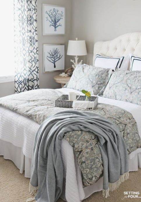 Bedroom Set With Blues And Whites
