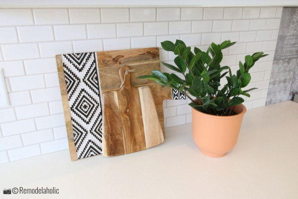 Adding a Terra Cotta Pot for color and life in the kitchen, UVPH 2018 Home 25 Journey's End Homes, Photo by Remodelaholic