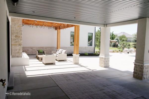 UVPH 2018 Home 31 Raykon Construction, White + Gold Design, Photo by Remodelaholic