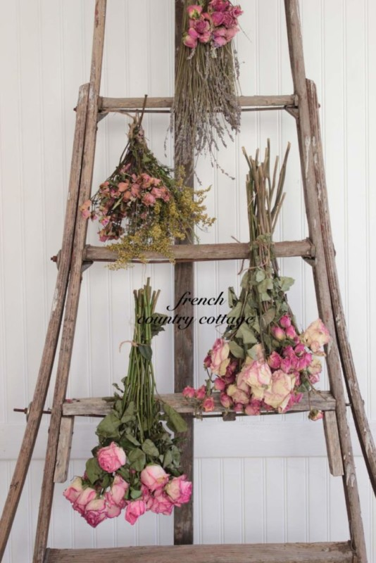 DIY Ladder Decor Ideas: Decorate Old Wooden Orchard Ladder With Dried Flowers, French Country Cottage