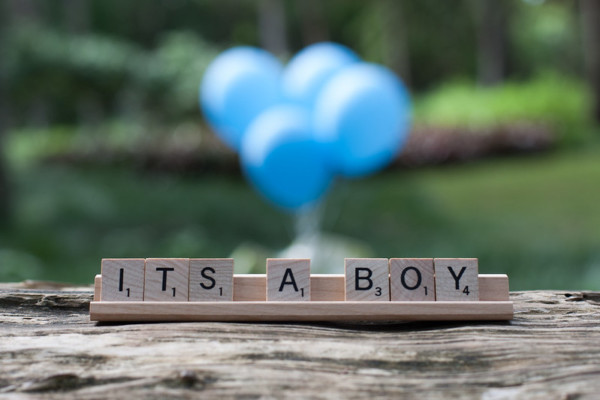 Simple Gender Reveal Photo Shoot Idea Scrabble Tiles And Balloons Ryan Lee