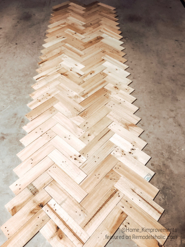 Use Pallet Wood For Herringbone Ceiling Accent In Farmhouse Entryway, Home Kimprovements On Remodelaholic
