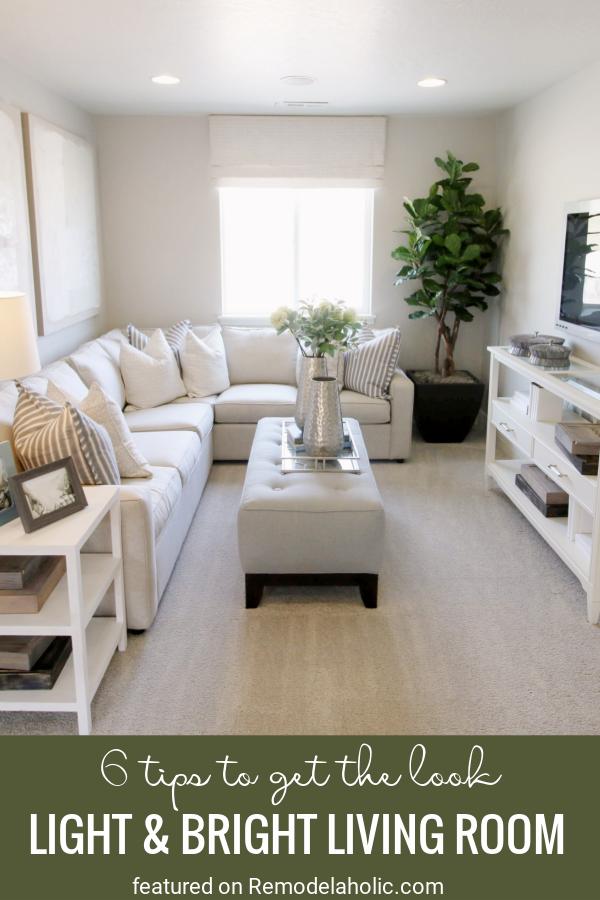6 fantasztikus tipp a szoba újrateremtéséhez.  Világos és világos nappali tekintse meg a Remodelaholic.com oldalt
