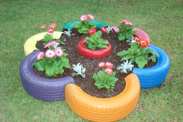Creative Easy Planter Idea, Cut Tire Flower Planter