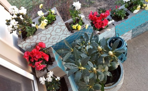 Easy Creative Planter Idea, Cinder Block Planter