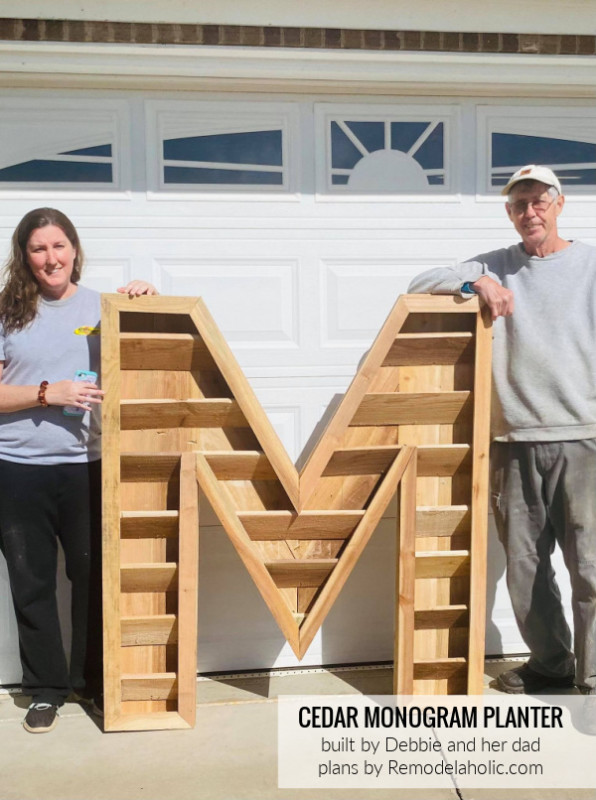 Cedar Monogram Planter, Wood Letter M, By Debbie And Her Dad, Plans By Remodelaholic